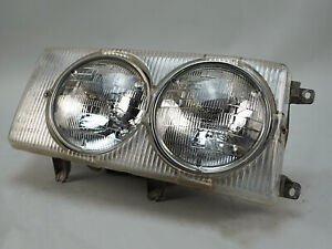 1972 - 1980 MERCEDES BENZ 450 HEADLIGHT LAMP ASSEMBLY RIGHT PASSENGER SIDE OEM