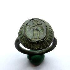 Anillo de Bronce Romano antiguo artefacto con Guerrero con una lanza y escudo