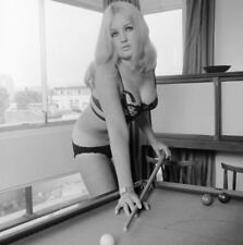 60s Vogel Negative, sexy blonde pin-up girl Cherry Thompson playing pool, t26407
