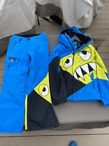 686 Snaggle Tooth Snowboard Jacket & Ski Pants limited edition 2 Piece Mens S