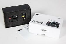 NEW Box 4GB USB Thumb Drive D7000 Nikon 18-105mm Lens kit USA Model Camera D7200