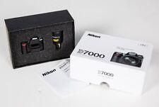 NEW Box 4GB USB Thumb Drive D7000 Nikon 18-105mm Lens kit USA Model Camera D7200