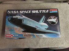 Monogram NASA Space Shuttle  - 1/200 Scale - #1110   (B 20)