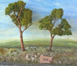 AUSTRALIAN MODEL GUM TREES  HO  OO  Lot E24