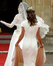 Pippa Middleton and Kate Middleton 8 x 10 / 8x10 GLOSSY Photo Picture