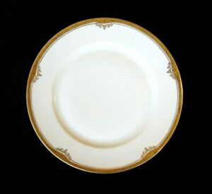 Beautiful H & C Selb Hienrich Gold Rimmed Christina Dinner Plate