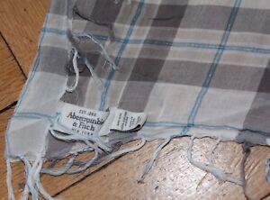 A&F Abercrombie & Fitch Tuch dünn grau weiß blau 110x100cm Fransen unisex karier
