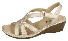 38 Sandali e scarpe Piatto (Meno di 1,3 cm) oro per il mare da donna