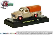 1:64 M2 Machines *AUTO-TRUCKS R34* = Tan 1949 Studebaker 2R Truck w/Cover *NIB*