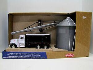 Peterbilt Model 367 Straight Truck w/Grain Box 1/32 Scale TOMY Toy