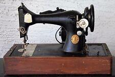 Singer AU52-16-1 Vintage Antique Early 1949 Sewing Machine w Wood Case JC044488