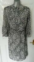 SOSANDAR Size 16 White Black Grey Dusky Pink Animal Print Dress Lined Side Zip