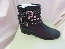 LADIES  BLACK LEATHER  BOOT SIZE 3