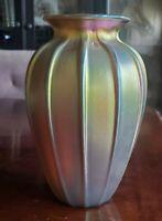 """VINTAGE LUNDBERG STUDIOS 1990 SIGNED GOLD GREEN IRIDESCENT ART GLASS VASE 8.5"""""""