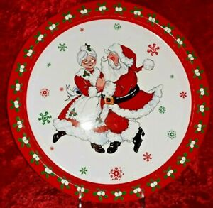 Vintage Giftco Dancing Santa and Mrs. Claus Christmas Metal Tin Serving Tray