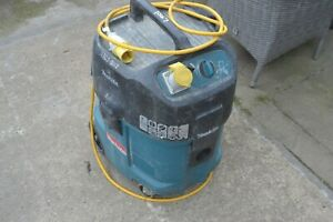 Makita 447M 110v Wet and Dry Vacuum Dust Extractor M class