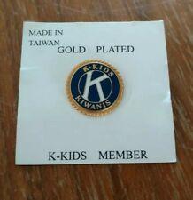 """Gold Plated K-Kids Kiwanis International Lapel Pin - 3/4"""" Diameter - NOS"""