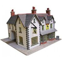 Coaching inn - OO/HO Card kit – Metcalfe PO228 - Free Post