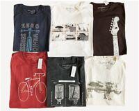 Banana  Republic Men's Short Sleeve Graphic T-Shirt NEW - Medium