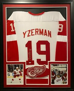 Steve Yzerman Framed Jersey PSA/DNA Autographed Signed Detroit Red Wings
