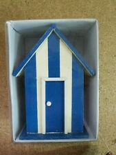 Accesorio para Muñeca de Porcelana.Caseta de Playa.17 x 13 cm.en caja