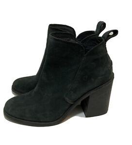 UGG Women's Size 10 Black Suede Heel Zip Ankle Mini Boots Booties