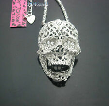 M665S   Betsey Johnson Silver Tone w/Crystal Movable Jaw Skull Pendant Necklace