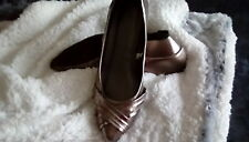 "WOMENS SIZE 8 CHAMPAGNE COLORED METALIC  1.5 "" HEEL SLIP IN SHOE"