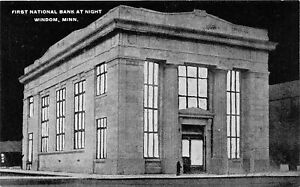 H66/ Windom Minnesota Postcard c1910 First National Bank at Night 107