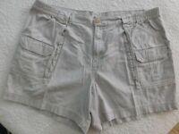 Outdoor Life Explorer Mens 44 Cotton Cargo Hiker Shorts - D4012