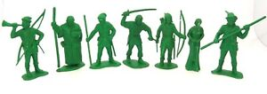 MARX TOYS 7 PIECES ROBIN HOOD AND HIS MERRY MEN - VERY RARE PLASTIC FIGURES
