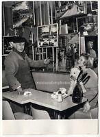 Georges Cefalas, Cafebesitzer & Straßenmaler in Paris, Orig. Presse-Photo v 1960