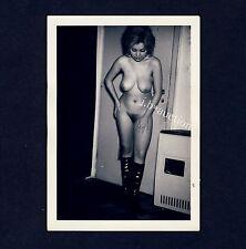 NUDE w PATENT LEATHER BOOTS / NACKT m LACKSTIEFELN * Vintage 50s Amateur Photo