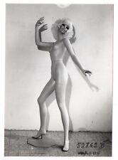 PHOTO MANNEQUIN FEMME NOVITA SIÉGEL Surréalisme Surréaliste 1960 Corps Nu Main