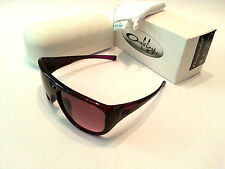 OAKLEY WOMENS SUNGLASSES - NEW - CORRESPONDENT - OO9094-04