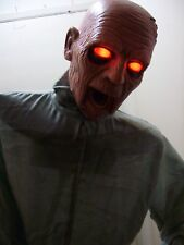 ANIMATED LIFESIZE ZOMBIE PROP. AWESOME, TURN IN CIRCLE, JAW MOVES, SCARY SOUNDS