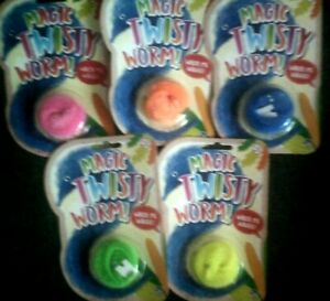 MAGIC TWISTY WORM*WATCH ME WIGGLE*FOR CHILDREN*NOVELTY*PARTY FILLER*XMAS*GIFT