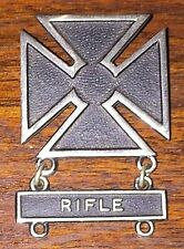 ORIGINAL USA ARMY RIFLE SHOOTER BADGE DESERT STORM SOLDIER CROSS MEDAL NEW YORK