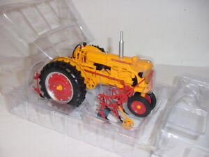 "1/16 Minneapolis Moline U ""High Detail"" Gas Tractor W/Cultivator NIB!"