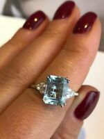 18CT WHITE GOLD  EMERALD CUT AQUAMARINE AND DIAMOND ENGAGEMENT RING  GOY786