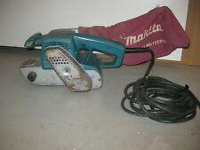 Makita 3 x 21 9900B Corded Belt Sander. Works Good