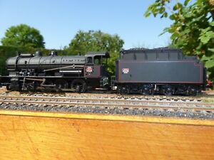 Locomotive à vapeur noire de la SNCF 140C 180 tender 34X93 Jouef ref 8283 HO