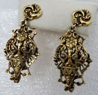 Vintage Ornate Etruscan Theme Antique Gold Tone Drop Dangle Screw Back Earrings