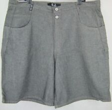 NWT MEN'S GUESS JEANS SHORTS LOOSE FIT SIZE 44