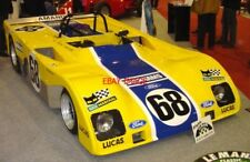 PHOTO  ED MCDONOUGH OF VINTAGE RACECAR MAGAZINE SHARES A MOMENT WITH EX-F1 DRIVE