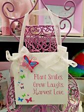 Splosh BUTTERFLY KISSES SMILES Wooden Door Wall Hanger Sign Plaque Girls Bedroom