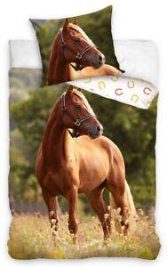 Chestnut Horse in meadow Bedding Duvet Set Reversible Single bed cover