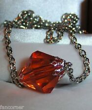 Smallville collier pendentif lana lang kryptonite rouge Smallville red pendant