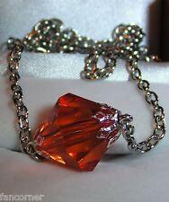 Smallville collier pendentif lana lang kryptonite rouge Smallville red pendant