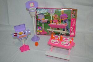 Mattel Barbie 1993 Backyard Cookout 9455